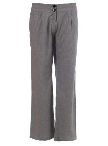 calça reta e com pernas folgadas, ideal para bumbum grande