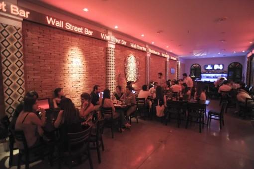 bar Wall Street